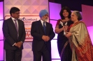 Dr.Thelma receiving CNBC award-1